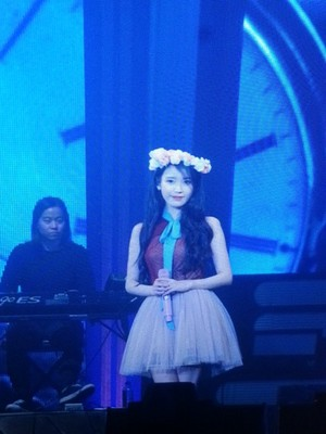 151122 iu [CHAT-SHIRE] concierto at Seoul Olympic Hall