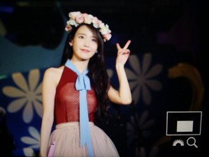 151122 IU [CHAT-SHIRE] konsert at Seoul Olympic Hall