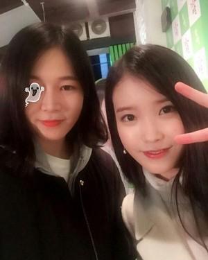 151128 IU Selca with fan at Hite Beer and Jinro Soju Chamisul Mini-Concert at Busan