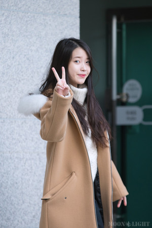 151129 iu Arriving 'CHAT-SHIRE' konser at Busan