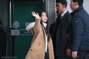 151129 李知恩 Arriving 'CHAT-SHIRE' 音乐会 at Busan