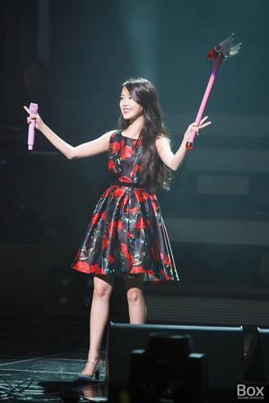 151129 IU 'CHAT-SHIRE' konsert at Busan