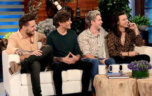 1D at The Ellen hiển thị