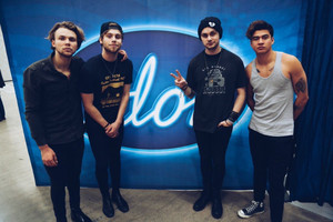 5Sos at Swedish Idol