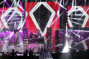 5Sos at X Factor Italy