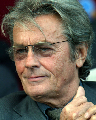 Alain Delon wallpaper probably containing a business suit called Alain Delon