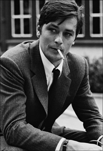 Alain Delon kertas dinding containing a business suit called Alain Delon