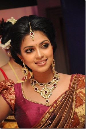 Amala Paul beautiful foto thumb 2