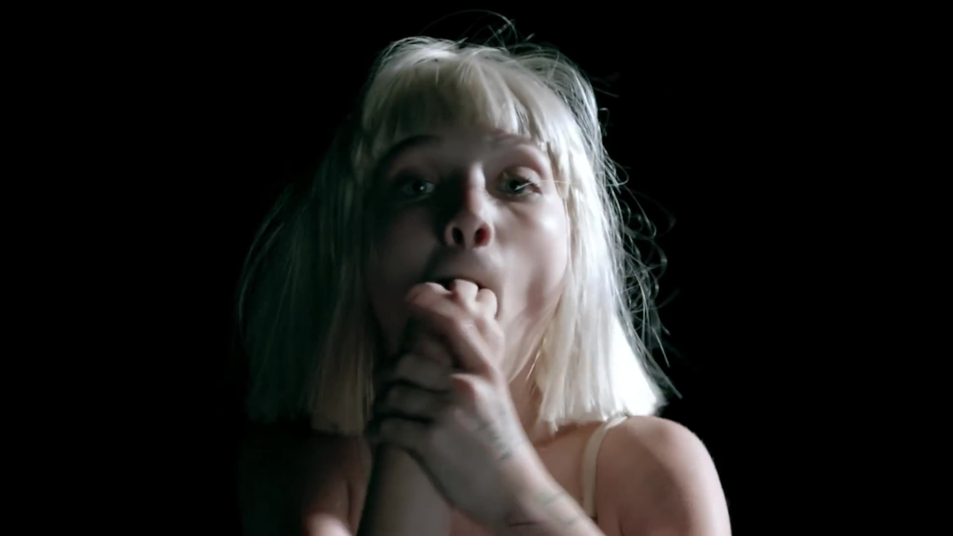 Big girls cry music video sia photo 39005143 fanpop for Sia download