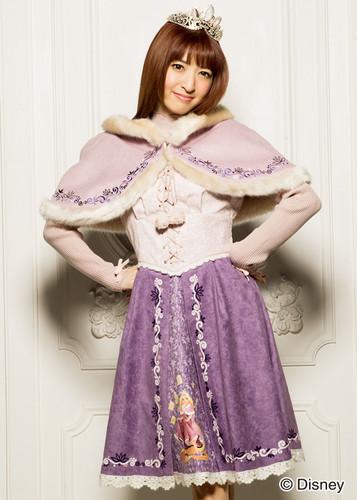 Disney Princess karatasi la kupamba ukuta probably with a kirtle, a gathered skirt, and a polonaise titled DP Outfits-Rapunzel themed winter dress