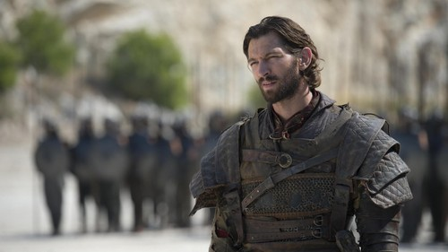 Game of Thrones wallpaper possibly containing a surcoat called Daario Naharis