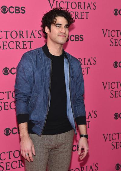 Darren at a Victoria's Secret show
