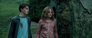 Hermione Screencaps