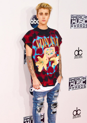 justin bieber wallpaper possibly with long trousers, bellbottom trousers, and a pantleg called Justin Bieber