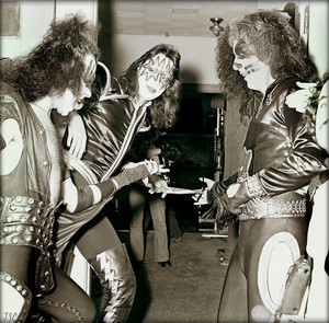 KISS ~Cadillac, Michigan…October 9-10, 1975