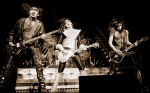 KISS ~December 1977 (NYC - Alive II tour)