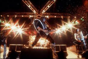 kiss ~Inglewood, California…November 7, 1979 (The fórum