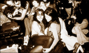 KISS ~Passiac, New Jersey…April 27 1974 (backstage-the Capital Theater)