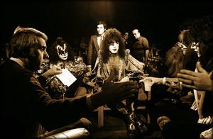 किस ~w-Tom Snyder (Tomorrow show-NYC) October 30, 1979