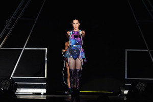 Katy Performs at Dubai Airport's Air hiển thị Gala