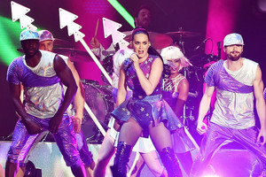 Katy Performs at Dubai Airport's Air mostra Gala