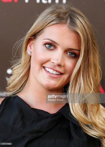 Prinzessin Diana Hintergrund containing a portrait titled Lady Kitty Spencer Australia premiere