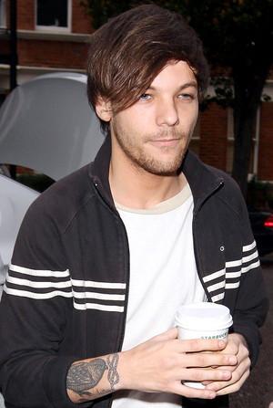 Louis arriving at BBC studios
