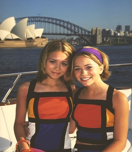 Mary-Kate & Ashley Olsen wallpaper possibly with an opera, a pontoon, and a lunch titled Mary-Kate and Ashley Olsen