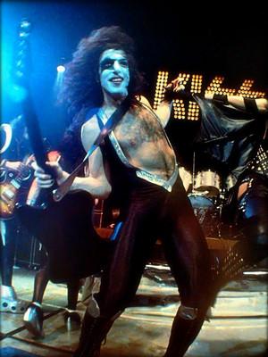 Paul ~Detroit, Michigan…May 16, 1975 (Dressed To Kill tour-Cobo Arena)
