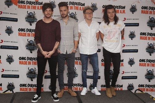 One Direction wallpaper possibly containing a sign, long trousers, and a pantleg called Press conference in Mexico