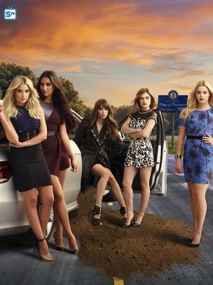 Pretty Little Liars - Season 6 - New Poster