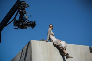 Shailene Woodley on set