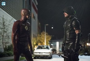 The Flash - Episode 2.08 - Legends of Today - Promo Pics