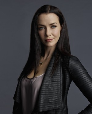 The Vampire Diaries Lily Salvatore Season 7 Official Portrait