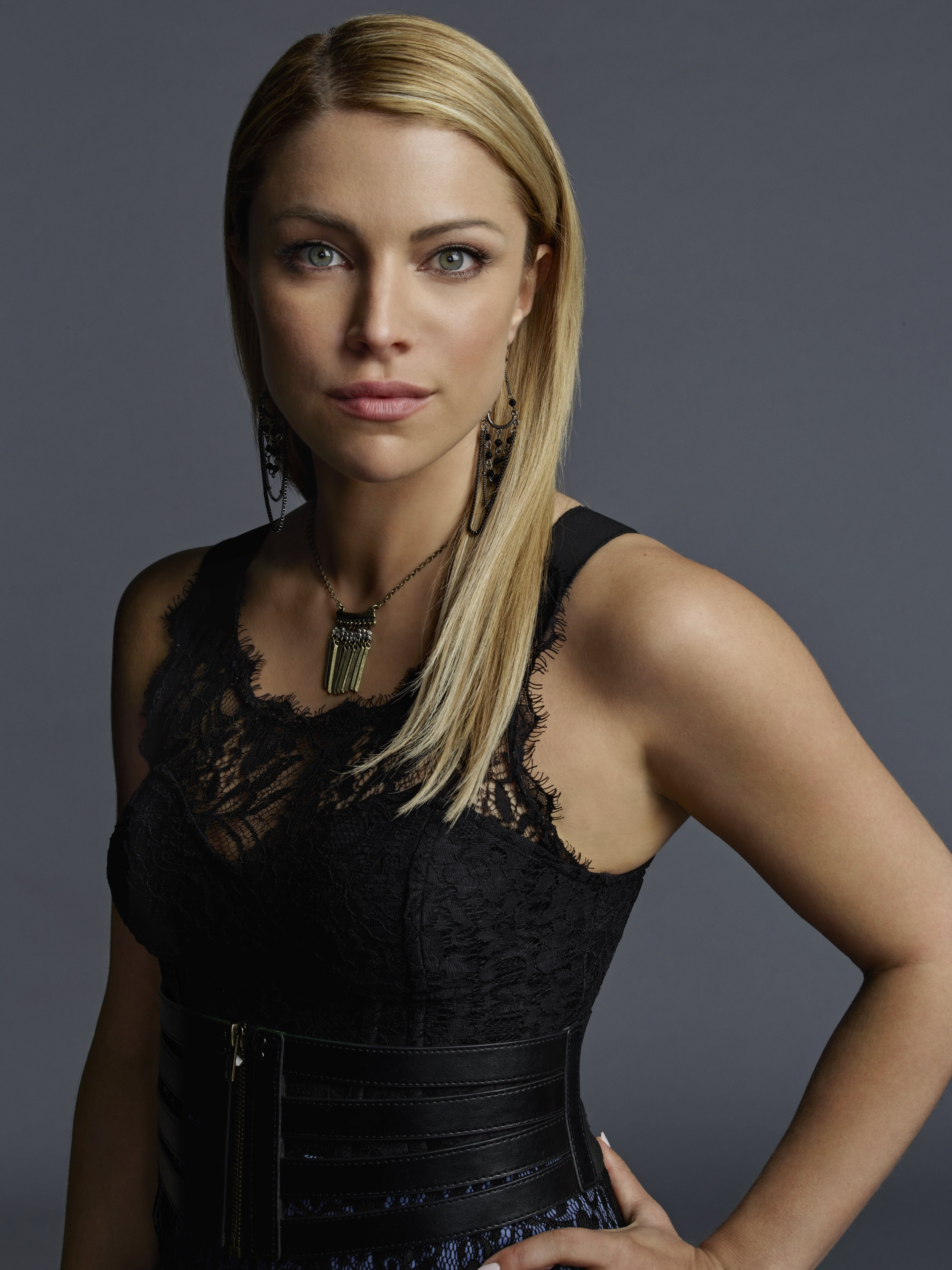 The Vampire Diaries Mary Louise Season 7 Official Portrait