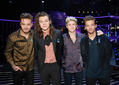One Direction fond d'écran with a concert titled The X Factor 2015