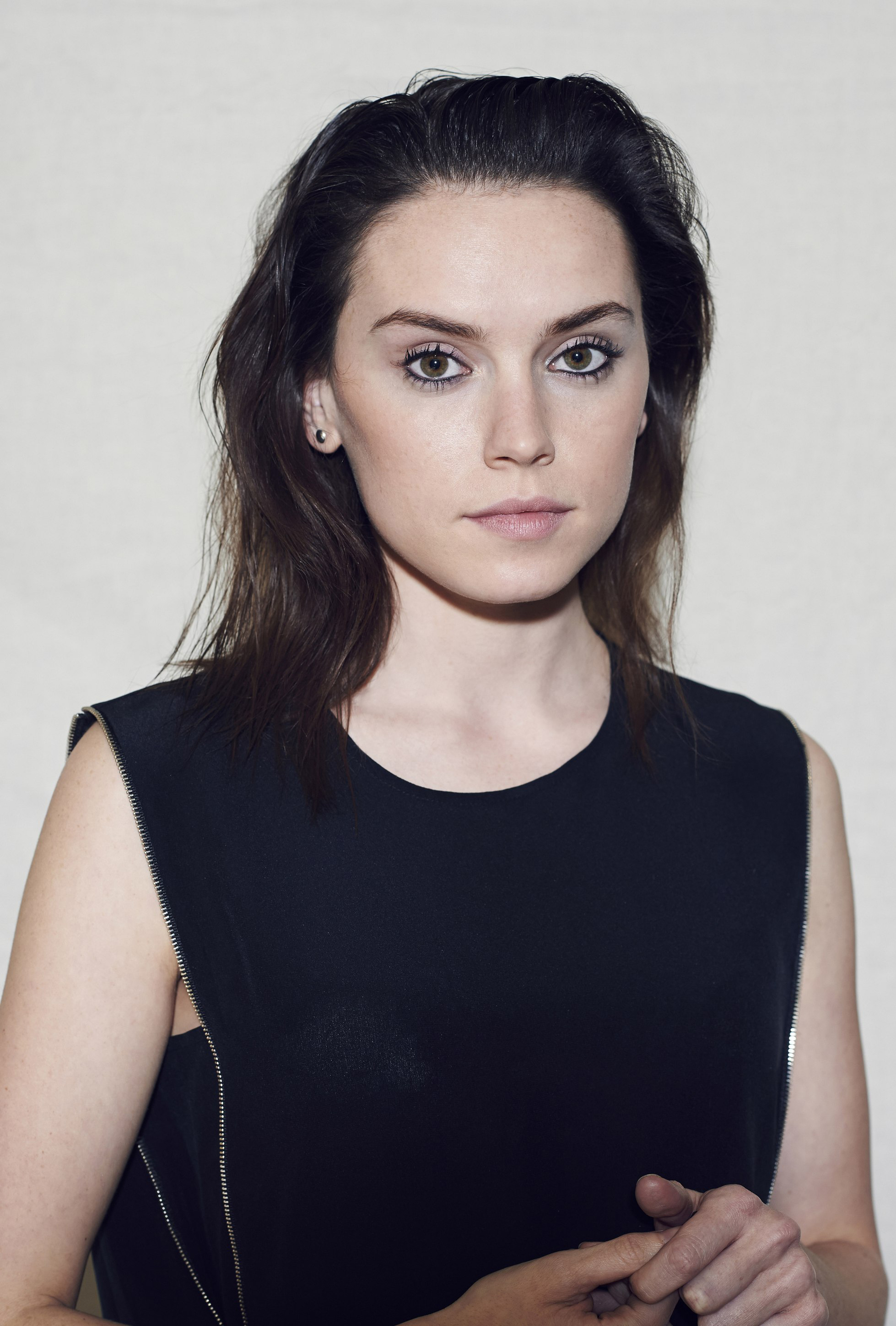 "Topic: ""coup de coeur"", ""coup de gueule"", ""info"" etc.. - Page 18 Unknown-photoshoots-Session-5-daisy-ridley-39015032-1958-2896"