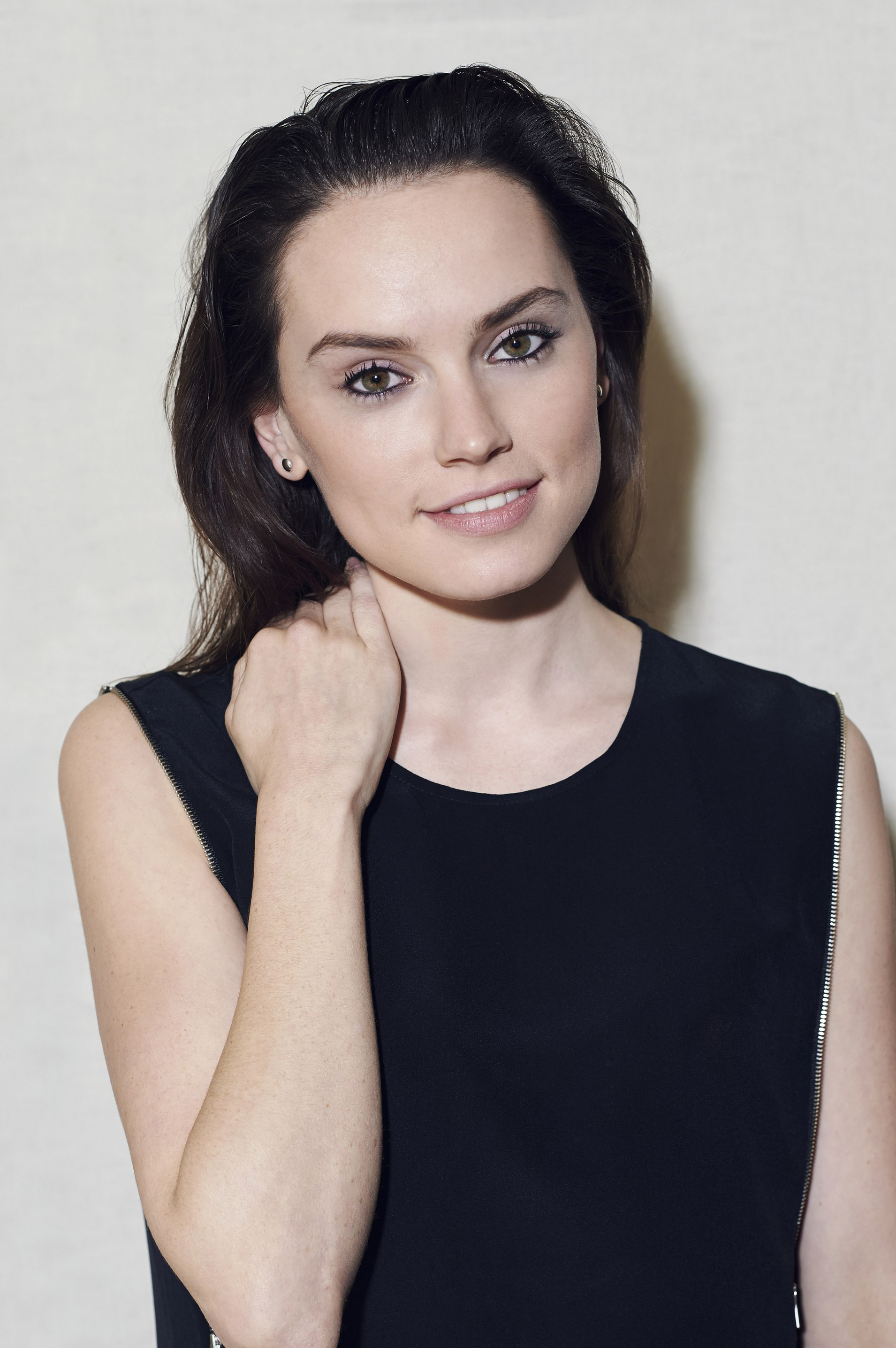 Daisy Ridley Unknown p...