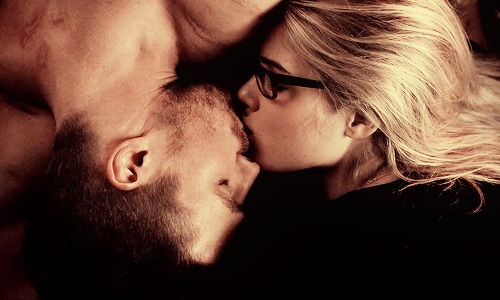 Oliver & Felicity wallpaper called Ying Yang Kiss