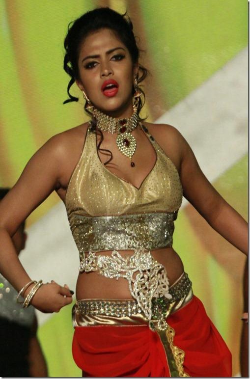 amala paul hot dance spicy stills thumb 2