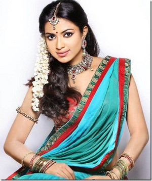 amala paul latest pics thumb 3