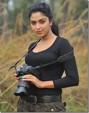 amala paul latest stills thumb 3