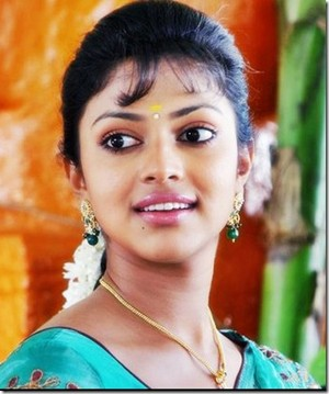 amala paul new still thumb 2   1