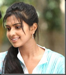 amala paul new still thumb
