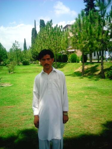 Shahid Afridi fond d'écran containing a business suit entitled asim tanha