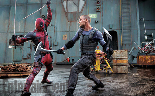 Deadpool (2016) দেওয়ালপত্র containing a hip boot titled 'Deadpool' (2016) Still