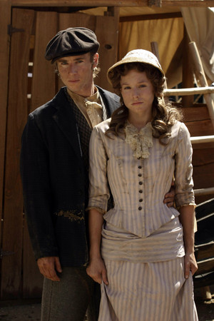 1x07 - Bullock Returns to the Camp - Miles and Flora Anderson