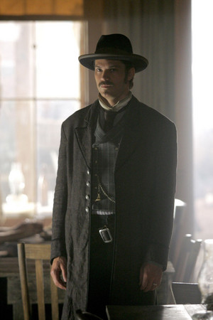 3x01 - Tell Your God to Ready for Blood - Seth Bullock