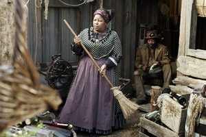 3x05 - A Two-Headed Beast - Aunt Lou and Samuel Fields
