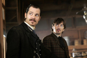 3x08 - Leviathan Smiles - Seth Bullock and Sol звезда